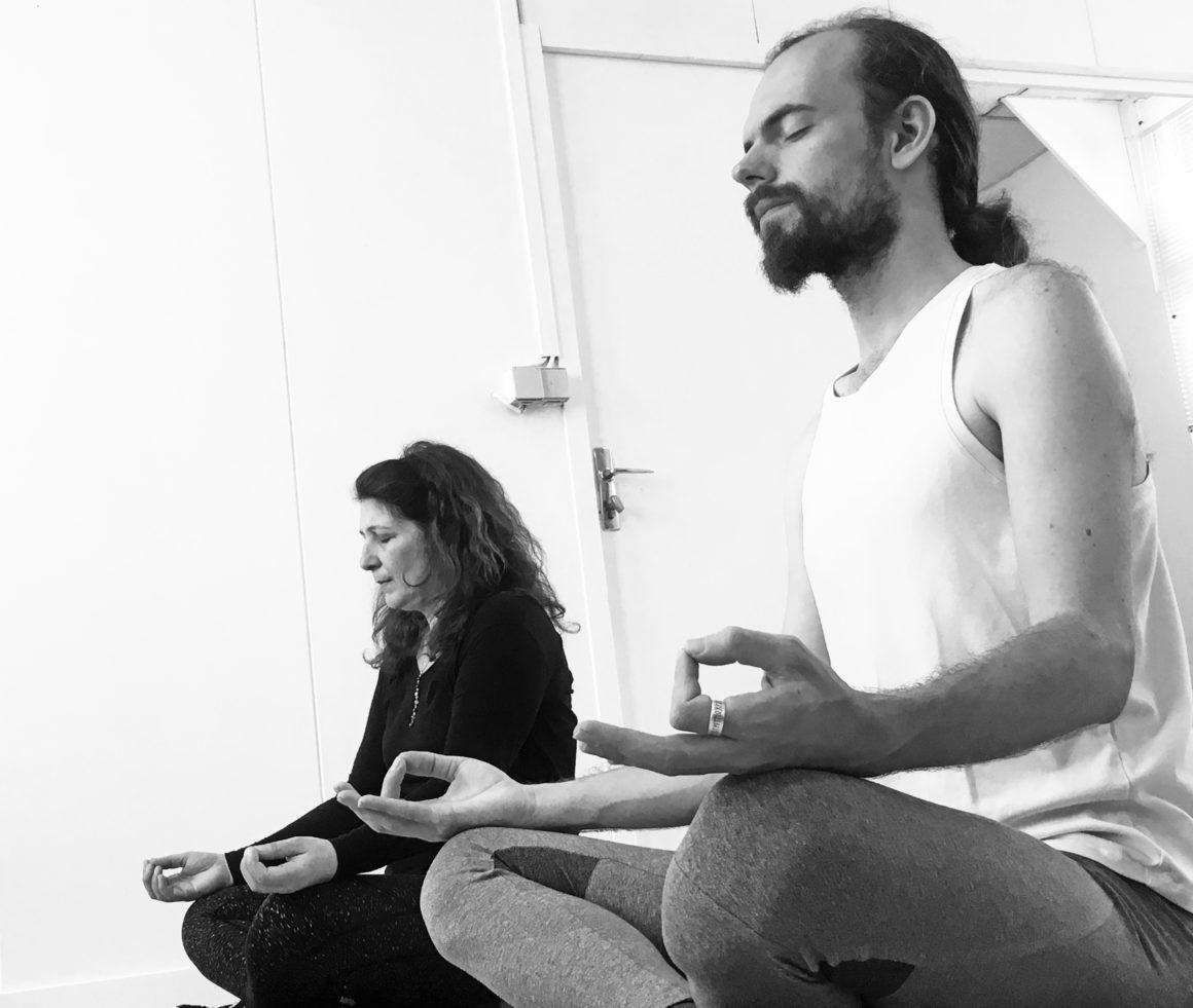 Les Nouvelles de la Lune (Yoga-Rituel-Intention)