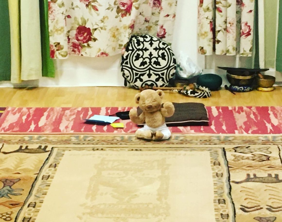 Yoga for our mini ones with Mum or Dad (2-4 years old)