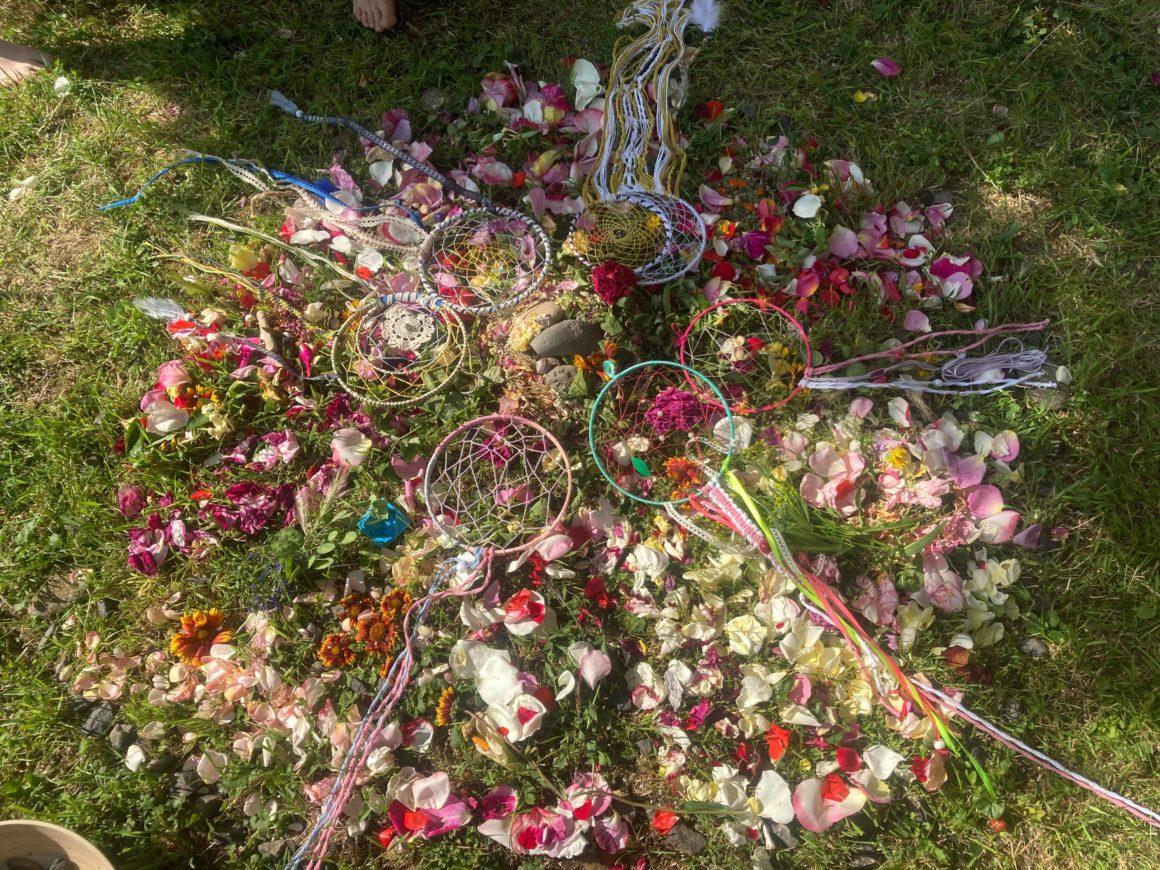 Tissons Ensemble : Attrapes-rêves – Danse – Mandala de fleurs